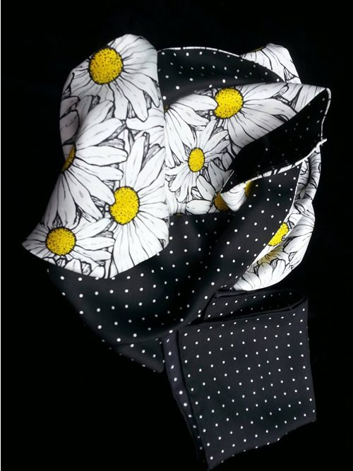 Infinity daisy scarf